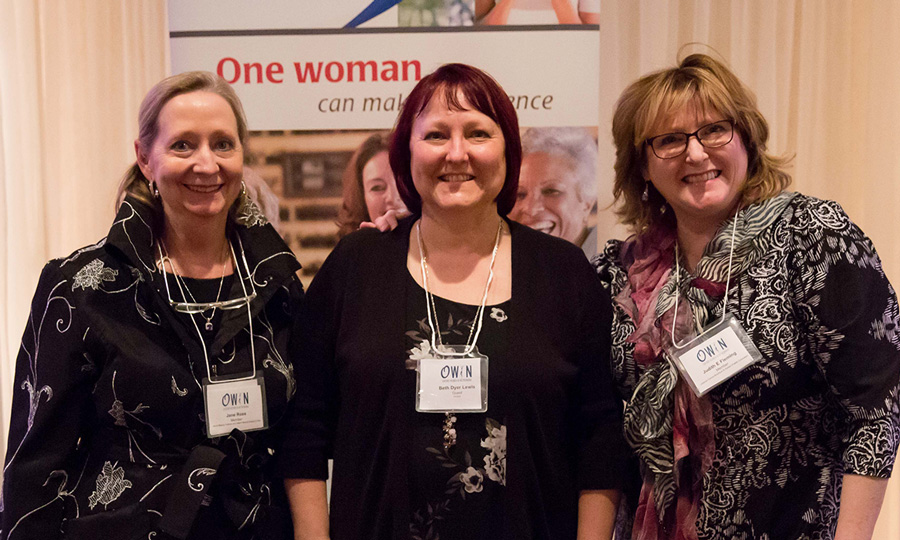 Beth Lewis with OWIN President Jane Ross & Events Director Judith Fleming